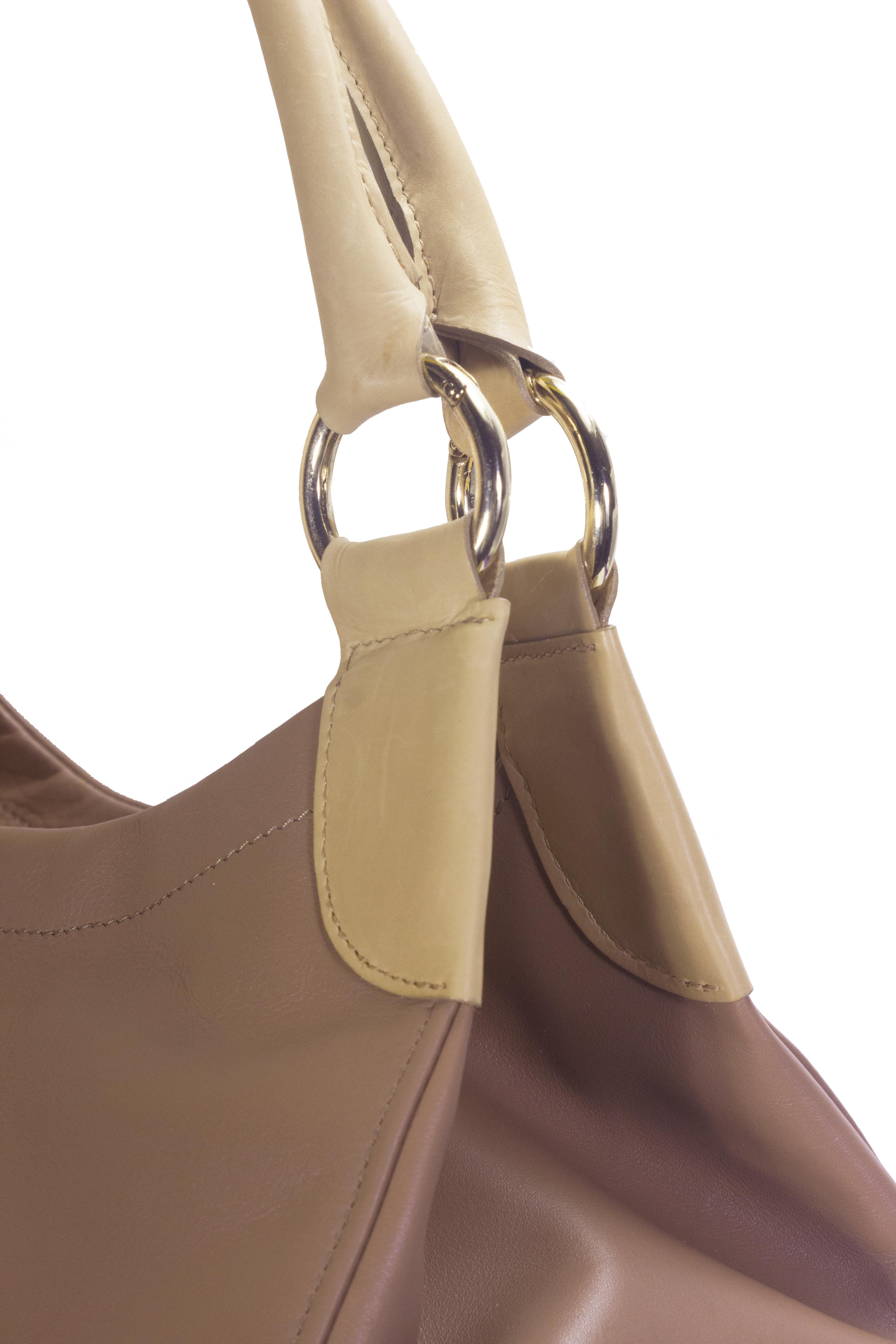 Hnědá kožená kabelka s béžovými detaily 11-DS260-lt.brown - detail