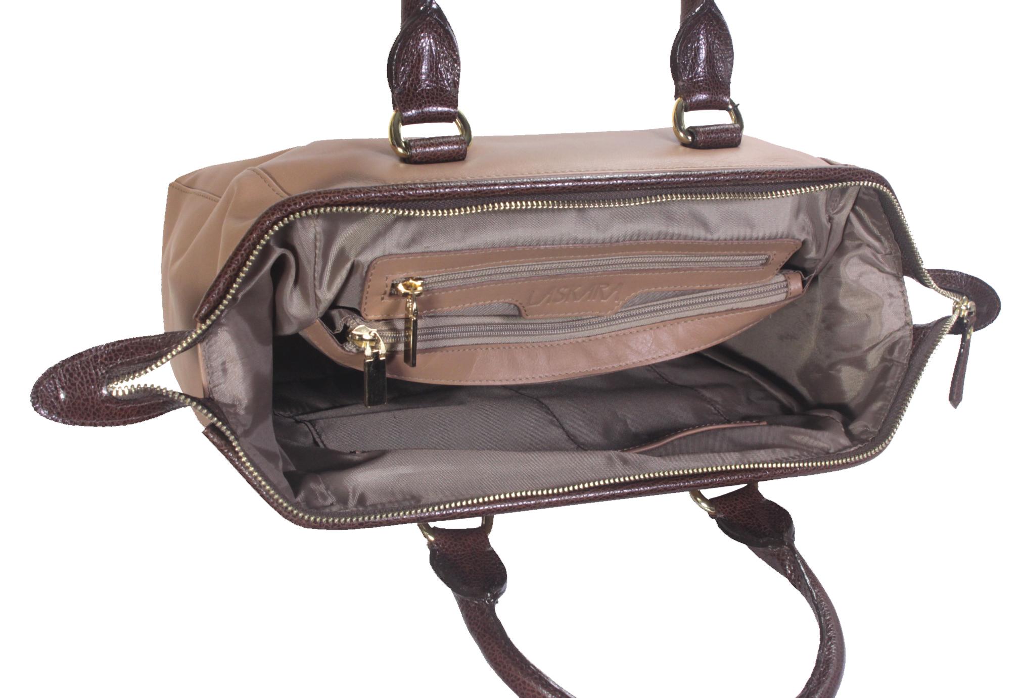 Hnědá kožená kabelka 11-DS265-lt.brown-choco - vnitřní rozložení